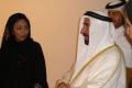 Emir im Gespräch mit einer Künstlerin Foto: © Barbara Schumacher